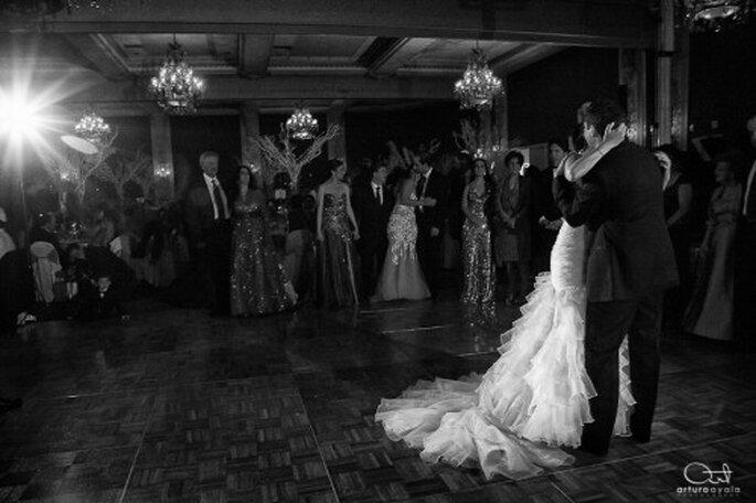 Características de la fotografía de bodas en blanco y negro y a color - Foto Arturo Ayala