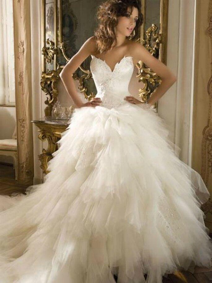 Robe de mariée DEMETRIOS B154 Collection 2011, choisie par Nicole