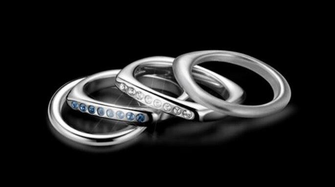 Per gli sposi dal gusto deciso, anelli in acciaio e diamanti di Breil