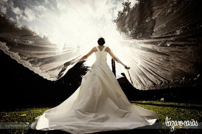 Poses de fotos de novia. Foto de Lázaro Casas.