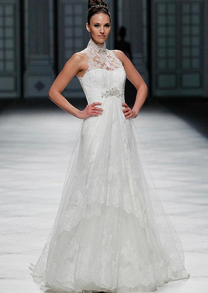 Robe de mariée avec décolleté en dentelle La Sposa 2013