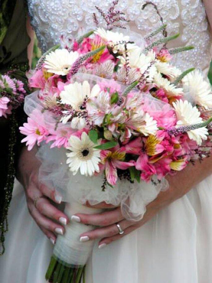Rosa und Weiss gemixt - Foto: bhg.com