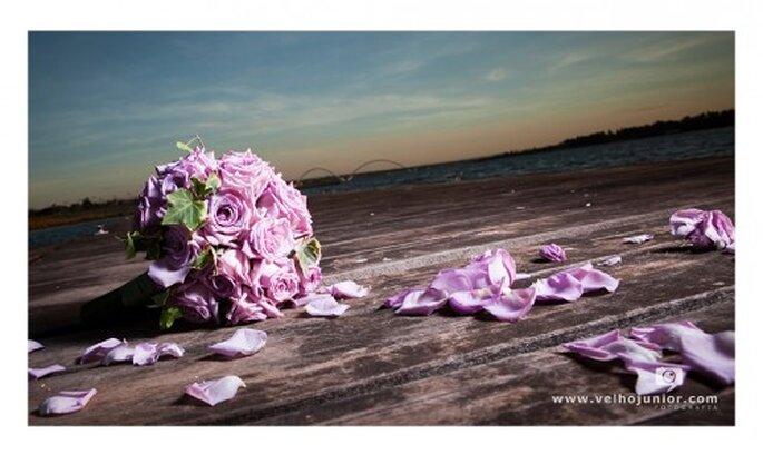 La costumbre de lanzar el ramo de novia. Imagen Velho junior