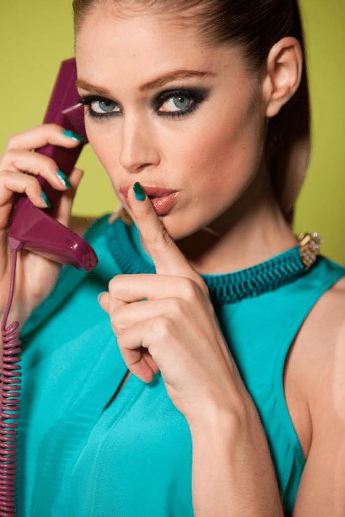 Manicura colorida con diseño francés en Color Riche Le Vernis - Foto Le Vernis L'oréal