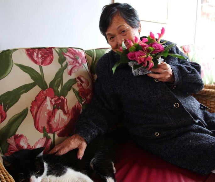 senhora com seu gato