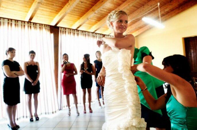 Scopri il nuovo sito dedicato agli annunci di abiti da sposa ed accessori. Foto: Purewhite Wedding Photography