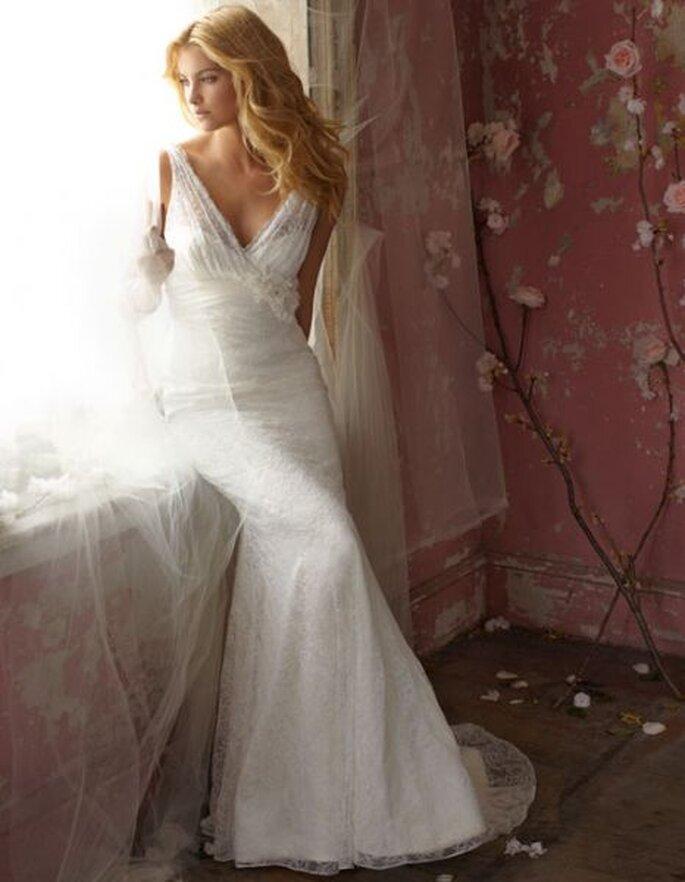 Taglio dal gusto vintage per questo modello di Alvina Valenta 2012