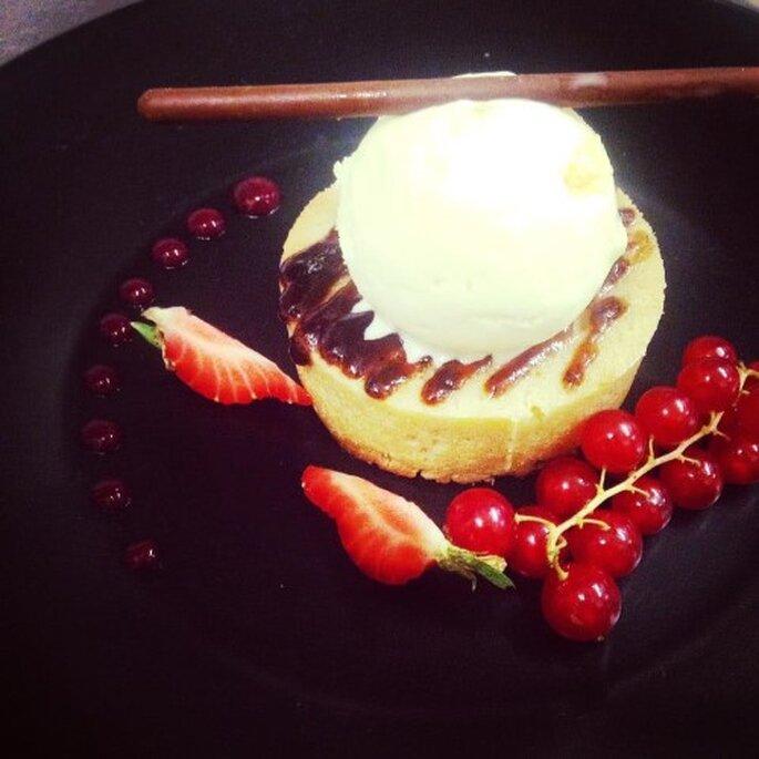 Gâteau Breton, pruneaux et fruit rouges, glace rhum  Crédit : Gabriel Moreau