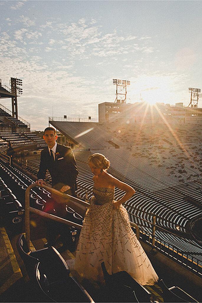 La sesión fotográfica en el estadio puede ser de día o en la tarde. Foto de Sweet Little Photographs