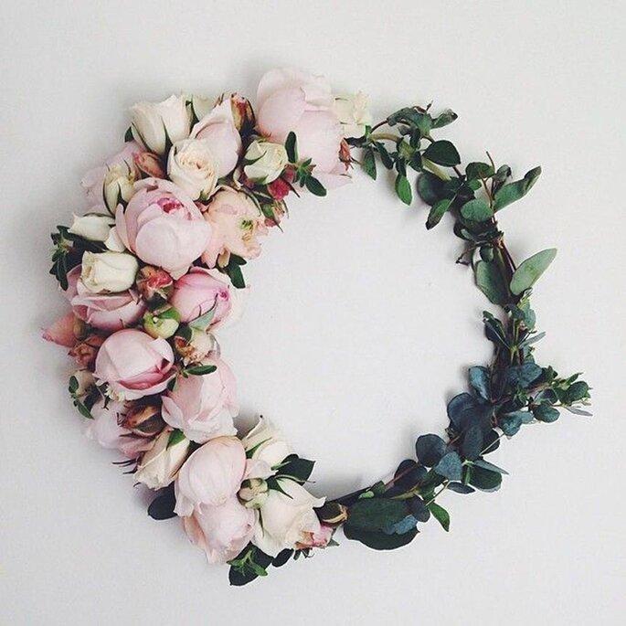 5 formas de llevar flores naturales en tu peinado de novia