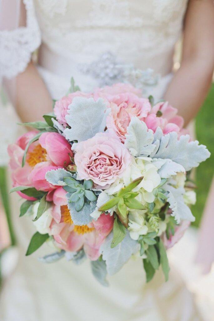 Un ramo de novia con estilo - Foto Forever Photography Studio