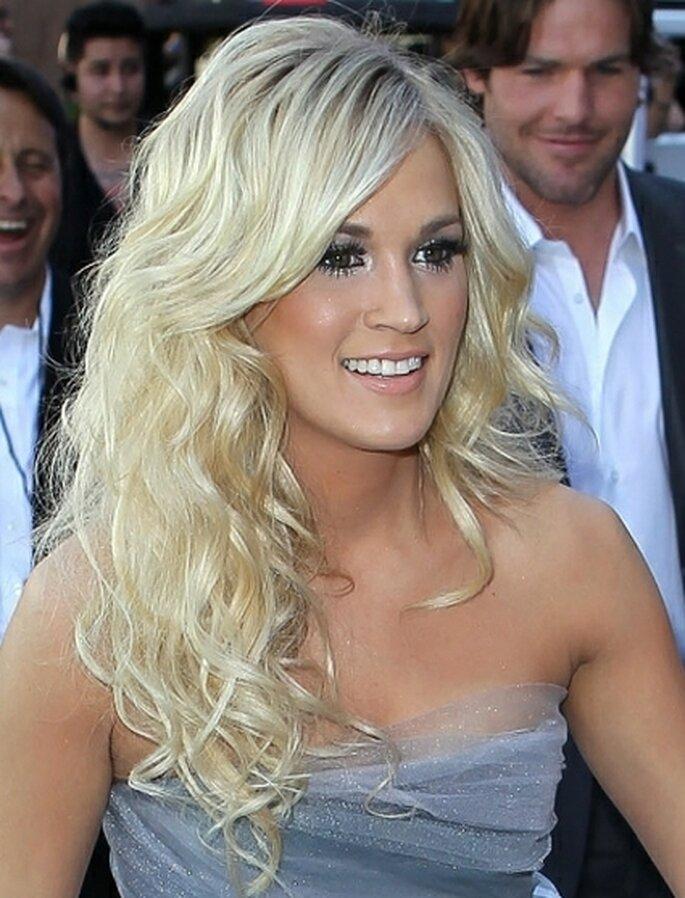 La chanteuse Carrie Underwood arbore de bien jolies ondulations