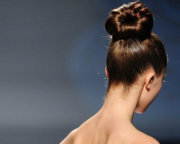 Peinado recogido de estilo bailarina, de Rosa Clará
