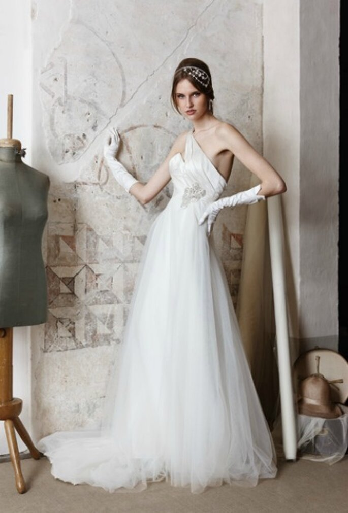 Vestido de novia en capas de tul. Colección 2012 de Alessadra Rinaudo