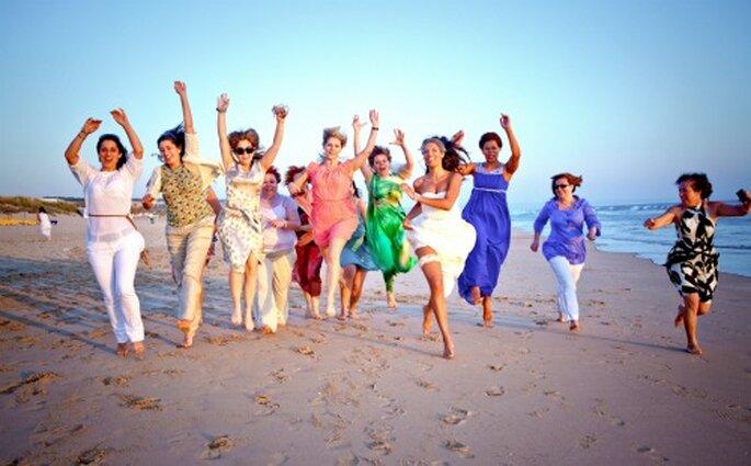 Los vestidos para invitadas deben ir acorde a donde será la celebración. Foto: Nuno Palha.