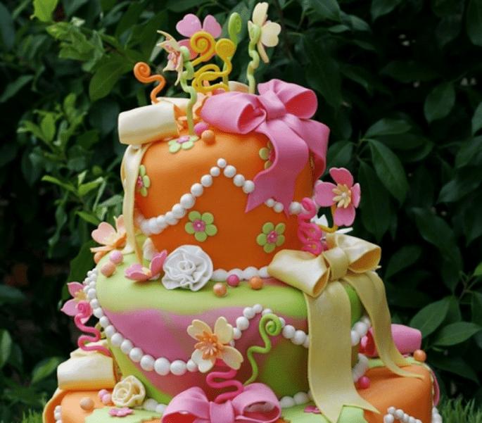 Aprendan y diviértanse como nunca mientras hornean un pastel de fondant - Foto Carrie's Cakes