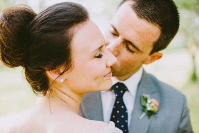 El rostro ovalado te permitirá elegir una variedad infinita de peinados para tu boda - Foto Ciara Richardson