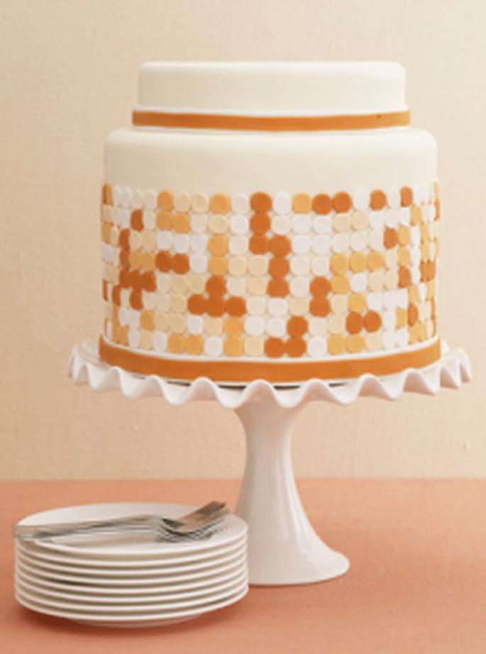Una torta nuziale con dettagli unici