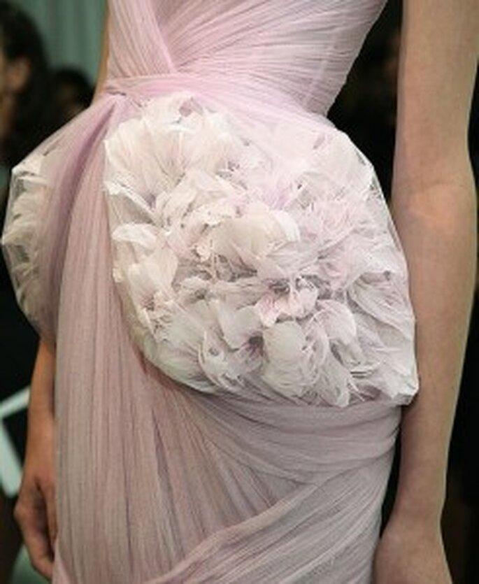 Detalle de la técnica origami utilizada en los vestidos de novia