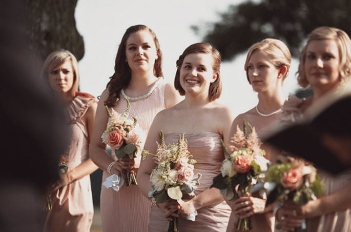 Colores de moda para vestidos de damas de boda 2013. Fotografía Sarah Culver