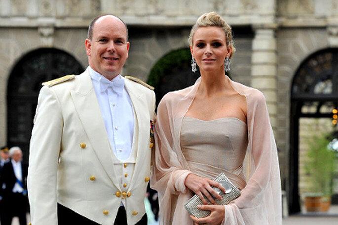 El Príncipe Alberto II de Mónaco y Charlene Wittstock se casan. Y el vestido de novia será diseñado por Armani - stern.de
