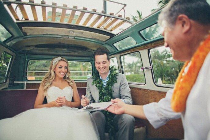 Boda destino en Hawaii. Foto de OneLovePhoto.com.