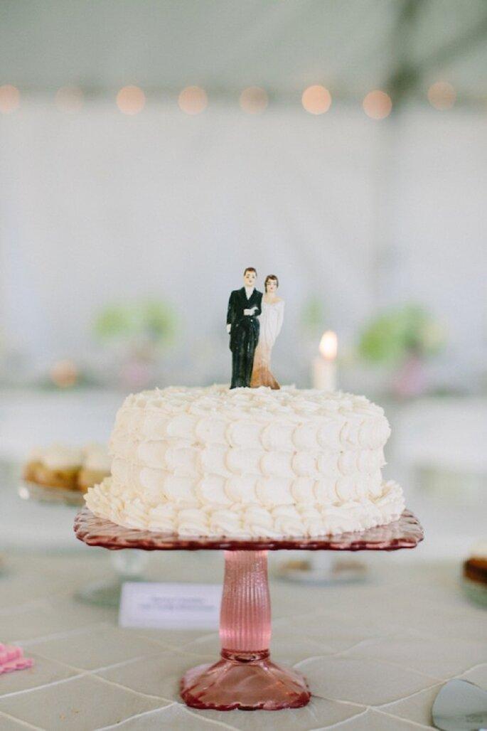 La tendencia de los mini pasteles para tu boda - Foto Shipra Panosian Photography