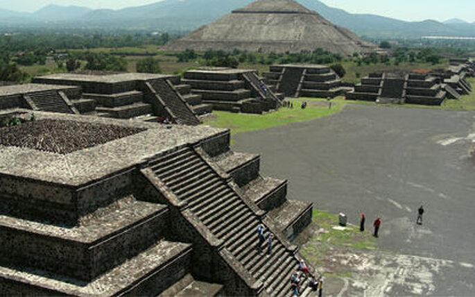 Admirez la beauté des pyramides de Teotihuacan