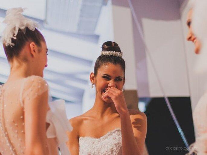 As modelos do desfile, momentos de conversas e risadas. Foto: Dri Castro