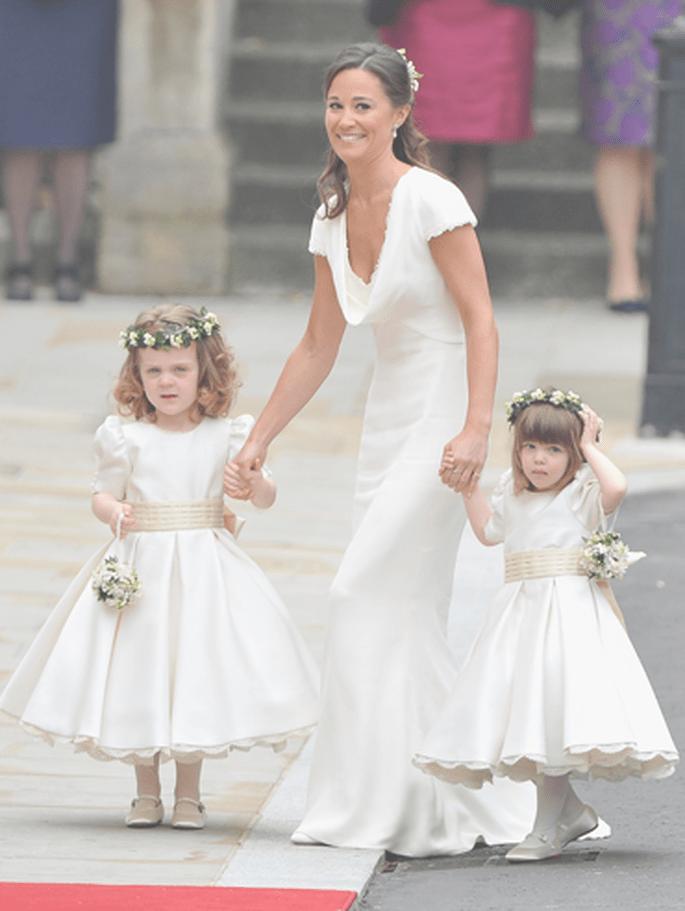 Philippa, genannt Pippa, mit den kleinen Brautjungfern - Foto via Repubblica.it