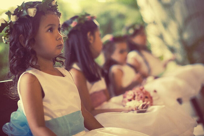 Niños en la ceremonia matrimonial. Foto: Rocha Fotografía