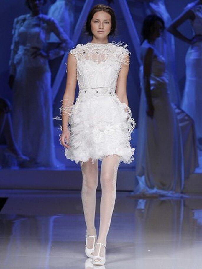 Vestido de novia de Yolan Cris. Foto Ugo Camera.