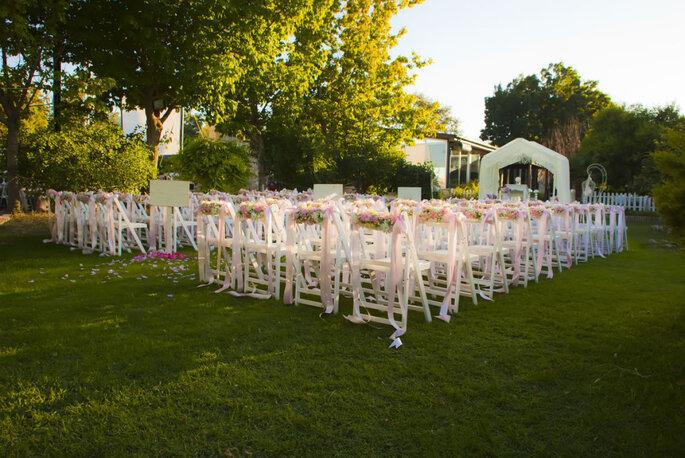 photodune-2976265-wedding-garden-party-m-1024x684