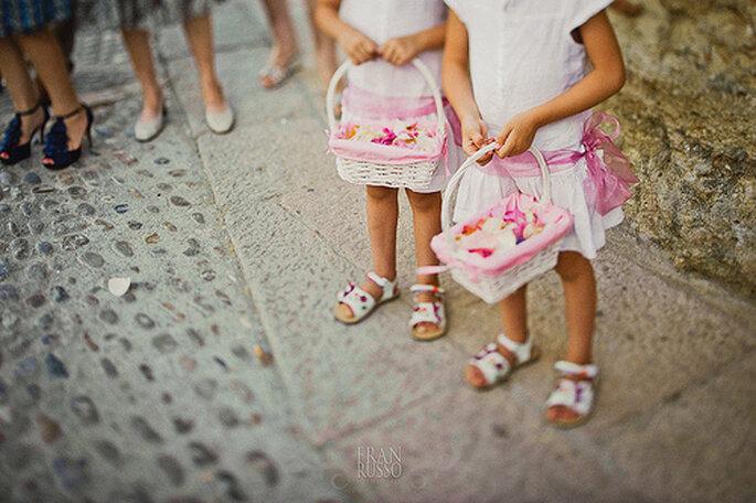 Flores y vestidos para los pajecitos en color rosa. Foto: Fran Russo