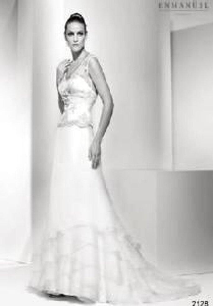 Enmanel Couture 2009 - Vestido con top de encaje y falda de volantes