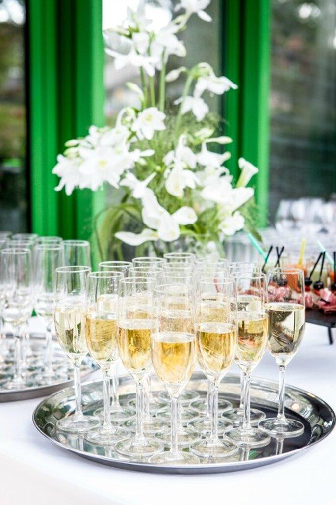 Champagne à la réception de mariage : un impondérable - Photo : Com'une Orchidée