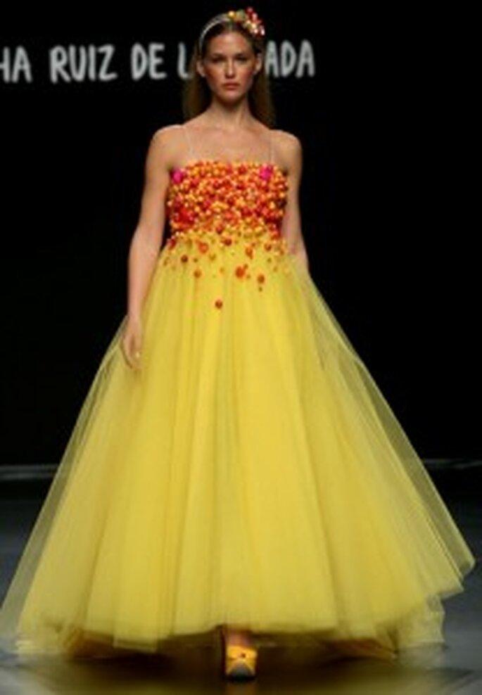 Huyendo de la superstición. Vestido de novia amarillo de Ágatha Ruiz de la Prada