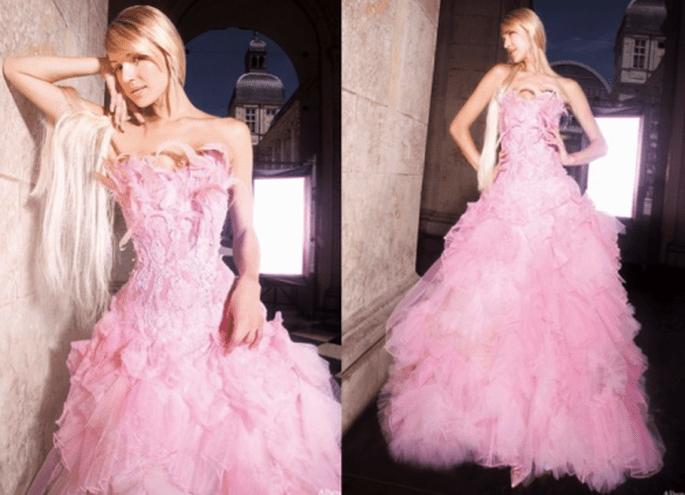 Vestido de novia moderno en color rosa - Foto Max Chaoul Couture