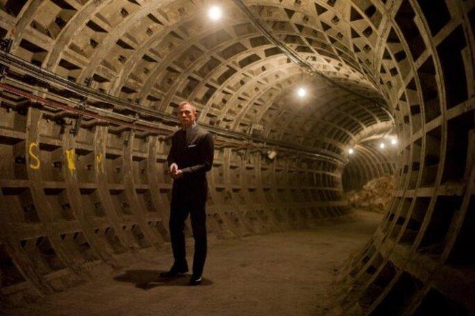 Traje para novio clásico inspirado en James Bond - Foto James Bond Facebook