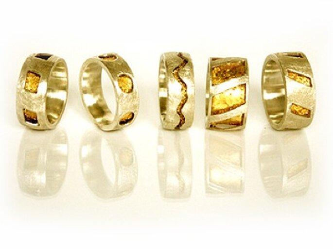 Ringe von Nane Adam mit Blattgold