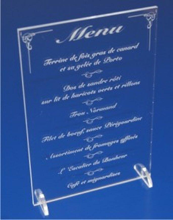 Menu de mariage gravé au laser sur du plexiglas