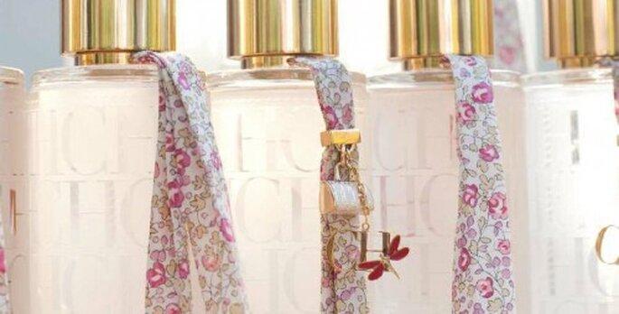 Perfume para novia. Foto del sitio de  Carolina Herrera.