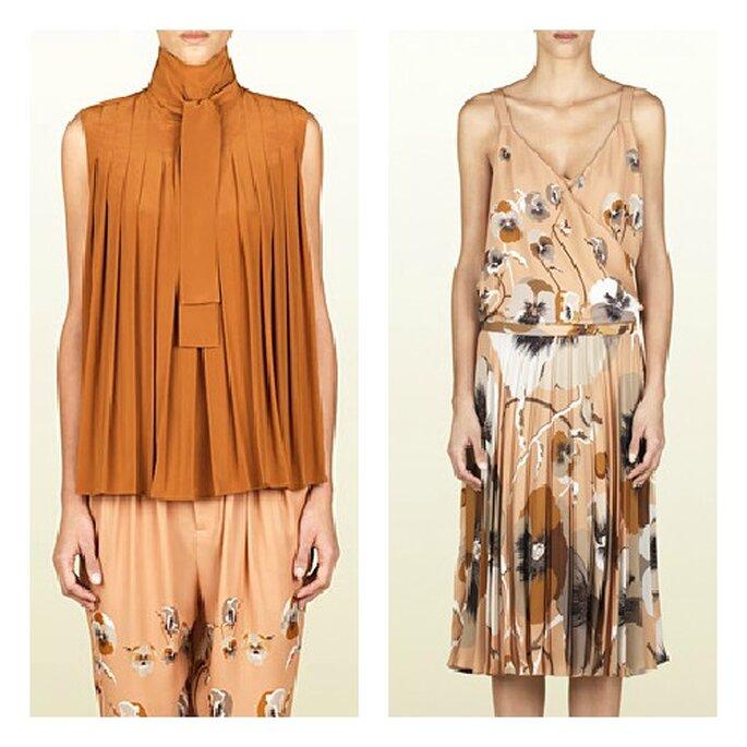 Top en soie légèrement plissé avec pantalon fleuri ; à droite robe en tissu léger à imprimé fleuri. Photo: Gucci