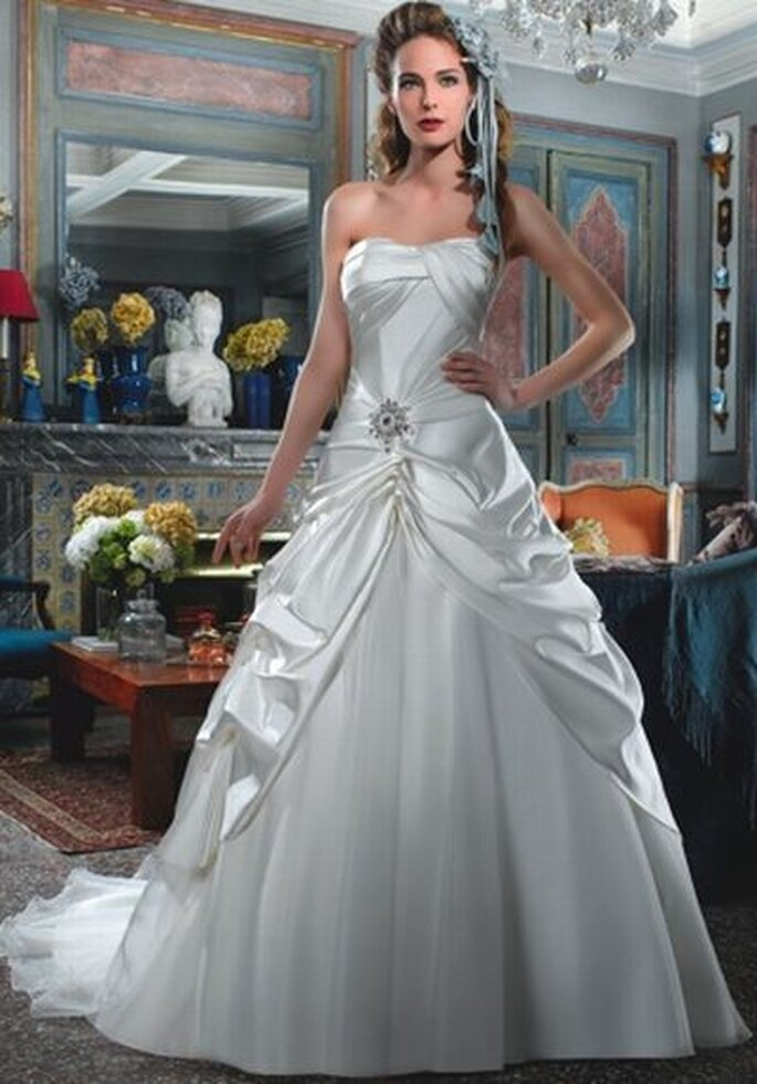 Brautkleid von Divina Sposa DS_122-29 http://www.thesposagroup.com
