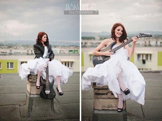 czarne buty ślubne rockowa panna młoda
