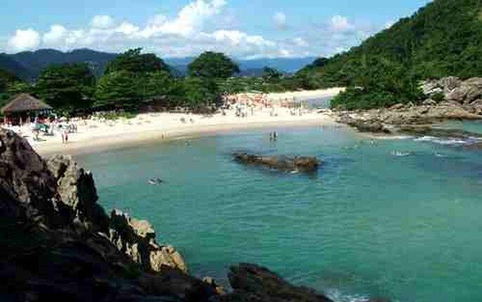 Vista de una de las playas de Trinidade en la ciudad de Paraty