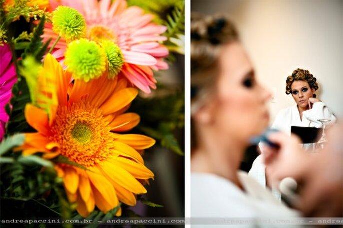 Flores para decoración de boda en color neon. Fotografía Andrea Paccini