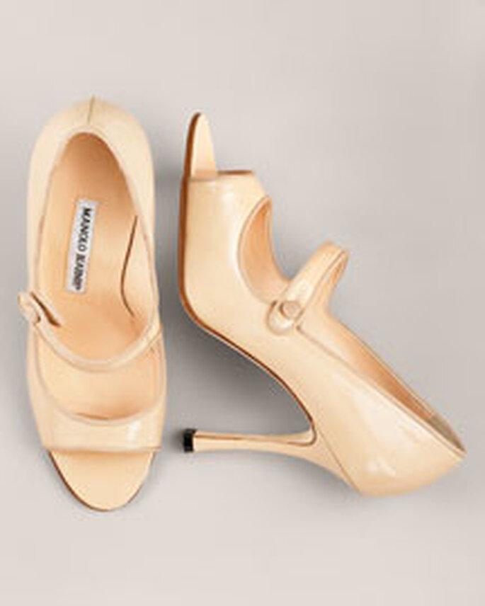 En color marfil original calzado con punta abierta y tira estilo guillermina