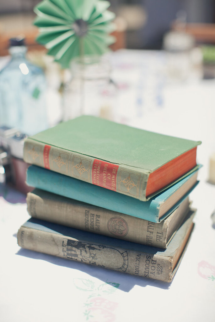 Libros para decorar tu boda - Onelove Photography