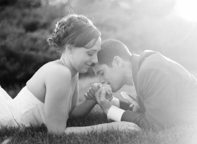 Textos románticos para invitaciones de boda - Foto Jen Lynne